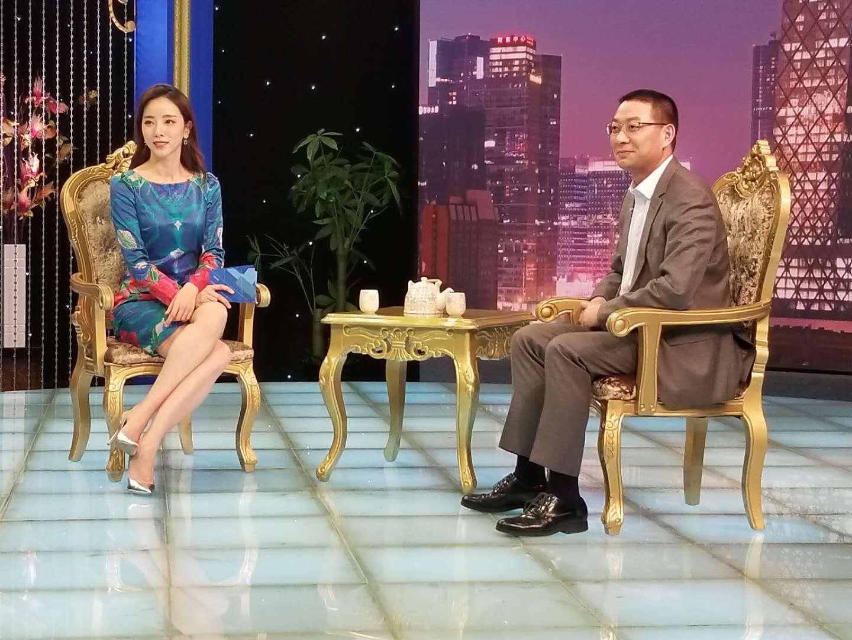 汉得总经理黄益全做客CCTV证券资讯频道《超越》栏目 1